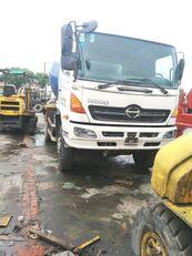 HINO 500 camión hormigonera